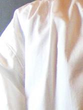 chemise à jabot blanche