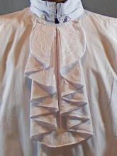 chemise  à jabot brodé