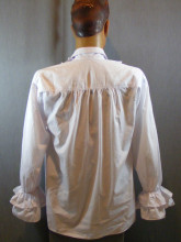 chemise blanche d'époque